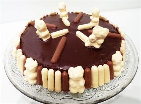 lapin de cuisine gâteau d 39 anniversaire bisounours la recette facile par toqués 2 cuisine