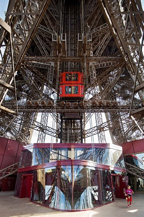 eiffel tower  facilities   st floor  moatti