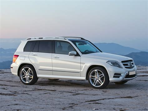 There's hardly a curve to be seen, and the overall ambiance one of durability and functionality rather than. 2015 Mercedes-Benz GLK-Class - Price, Photos, Reviews & Features
