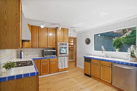 homes  sale  winding  belmont  real estate