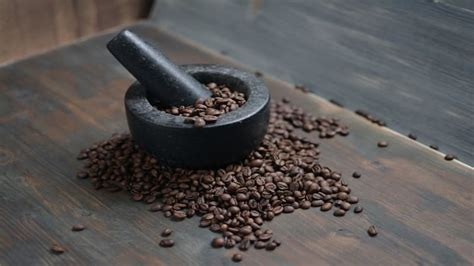 Measure the desired amount of beans and changing the way you grind your coffee is the only effective way to make better quality coffee. How to Grind Coffee Beans Without a Grinder