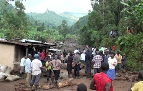 uganda landslide kills    people