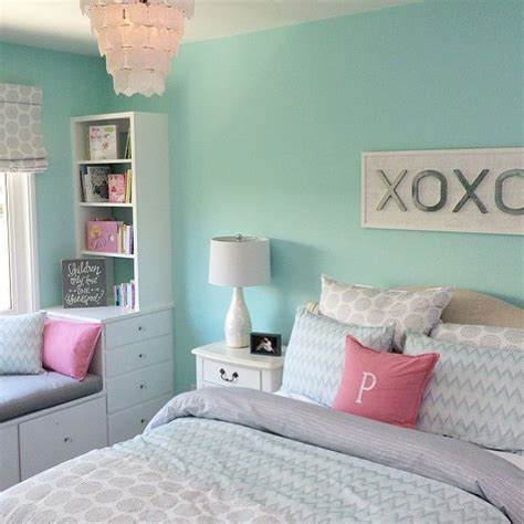 teal and grey bedroom walls best 25 teal bedrooms ideas on teal wall