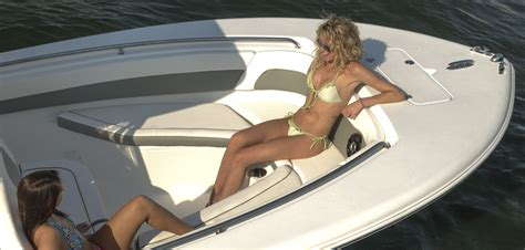 Center Console Boats With Lots Of Seating by Best Center Console Not For Fishing The Hull