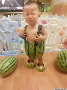 Baby In Watermelon Shorts Makes Our Heart Melt (PHOTOS ...