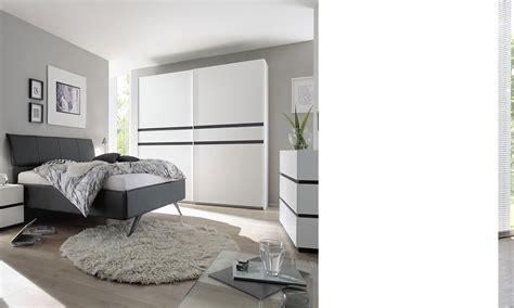 chambre compl鑼e adulte pas cher chambre a coucher pas cher complete maison design modanes com