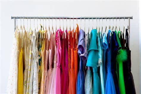 l armoire de 187 d 233 co chic color code your clothes for