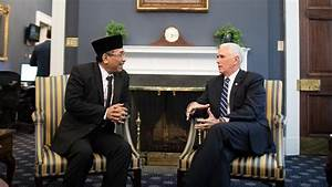 Pence Meets Indonesia's Top Muslim Leader After Church ...