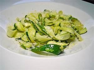 Zucchini Nudeln Schneider : zucchini nudeln vegetarisch rezepte ~ Eleganceandgraceweddings.com Haus und Dekorationen