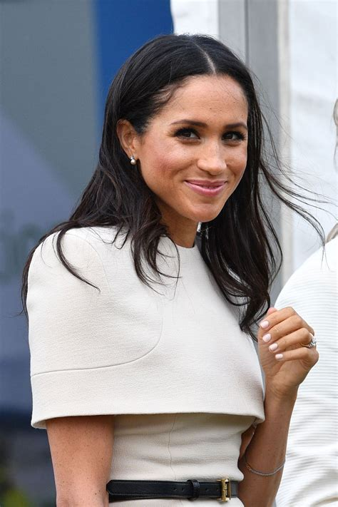 Markle was born and raised in los angeles, california. Meghan Markle's Best Royal Beauty Moments | Vogue