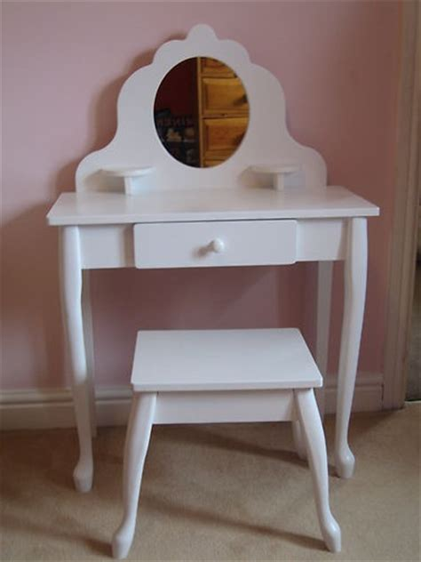 details  white wooden dressing table  stool