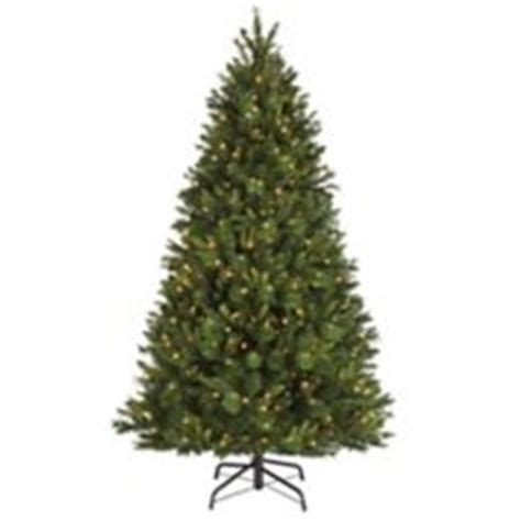 noma pre lit brentwood pine tree 6 5 ft