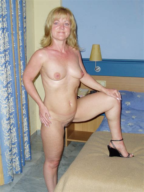 127642963  In Gallery Hot Mature Amateur Picture 3