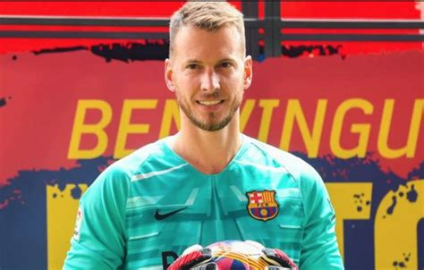 Arsenal target Neto asks to leave Barcelona this month ...