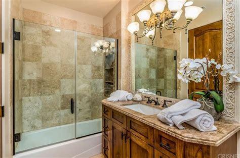 Design Bathroom Tool by Small Bathroom Designs Ideas Remodels Diy Makeovers