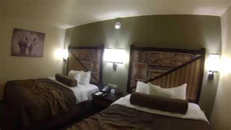 kalahari sandusky  room  african queen suite