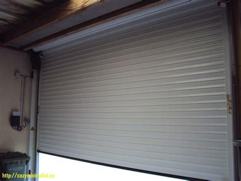 porte de garage enroulable motoris 233 e sur mesure id 233 es de conception de garage