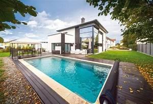 Moderne Häuser Mit Pool : moderne h user mit pool haus mit pool im wohnzimmer dumss nowaday garden ~ Markanthonyermac.com Haus und Dekorationen