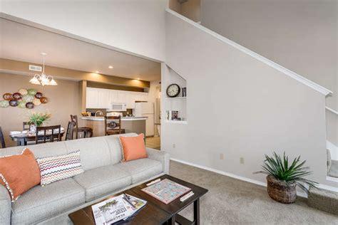 Living Room Wichita Ks by Town Home 2 Bedroom 2 5 Bath Wichita Apartments