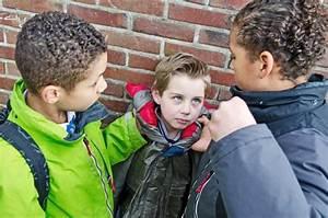 Bullying na Escola - InfoEscola