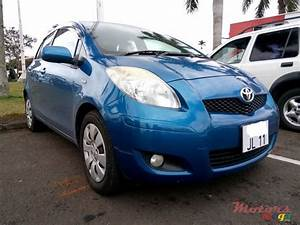 2009 Toyota Vitz Owners Manual