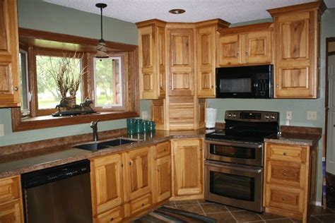 backers woodworking hickory cabinets  granicrete