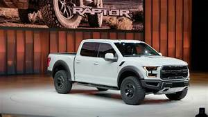 2017 Ford F-150 Raptor SuperCrew Review, Specs, Price