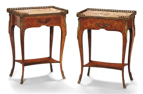 paire de tables de chevet de style louis xv xxeme siecle christie s