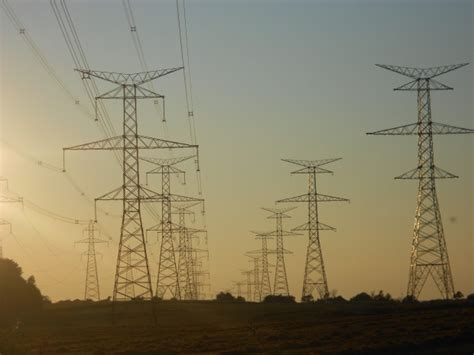 hydro  restores electricity  large power outage