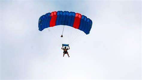 woman survives  foot fall  parachute sabotage