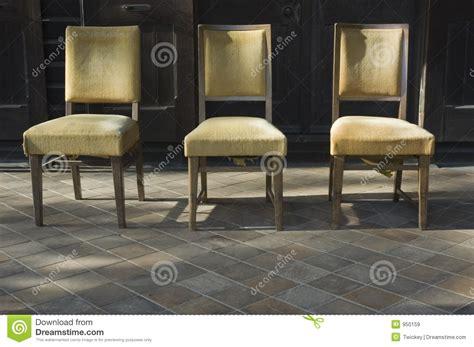 Alte Stühle Verschönern by Alte St 252 Hle Lizenzfreie Stockbilder Bild 950159