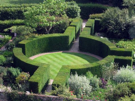 great british gardens sissinghurst castle garden