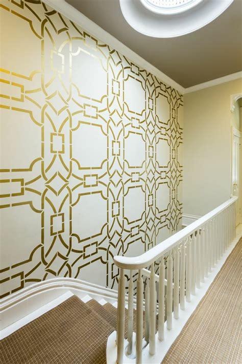pochoir pour mur de chambre le pochoir style pour vos murs et pour vos mains