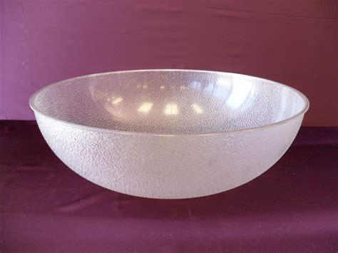 Pebbled Bowl, Plastic 3 Gallon