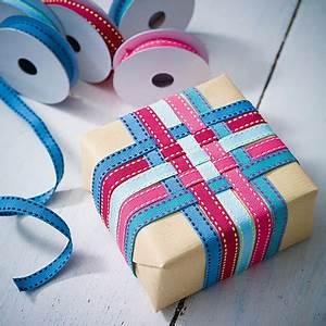 Geschenk Verpacken Schleife : geschenke verpacken pr sente kreativ verh llt ~ Orissabook.com Haus und Dekorationen