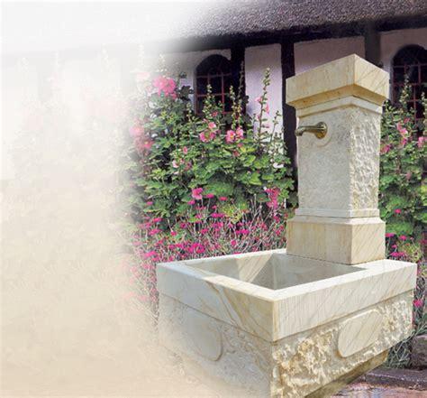 Brunnen Aus Sandstein Für Den Garten