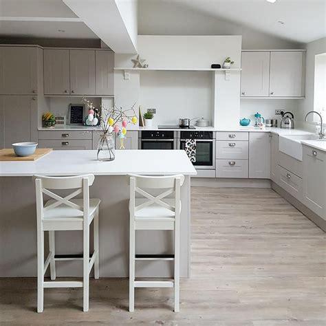 Lining Kitchen Cupboards by My New Kitchen Solent Kashmir Cupboards Karndean Country