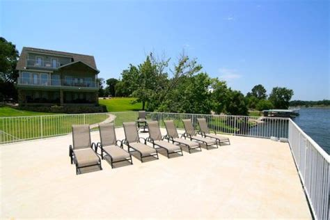 Marble Falls Boat Rentals by Barefoot Cottage Vacation Rental Home Located On The