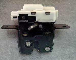 Serrure Coffre Megane 2 : mecanisme serrure arriere de coffre hayon renault megane 2 ii ref 8200076240 ebay ~ Melissatoandfro.com Idées de Décoration
