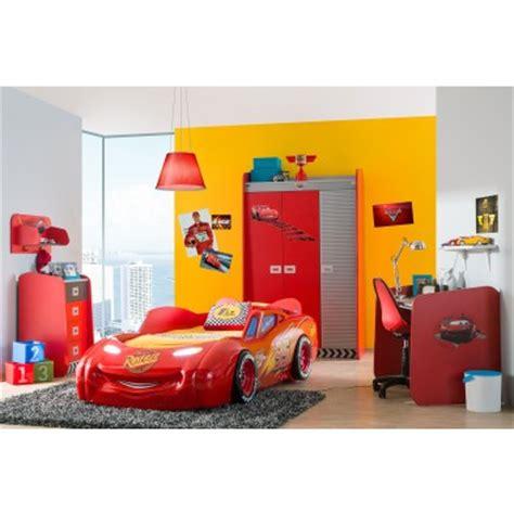 decoration chambre garcon cars idee deco chambre garcon theme voiture visuel 3