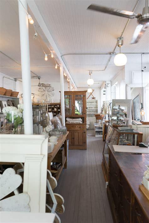 white flower farmhouse  shopkeepers