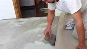 Teppichkleber Entfernen Holz : so geht 39 s teppich verlegen anleitung teppichkleber youtube ~ Orissabook.com Haus und Dekorationen