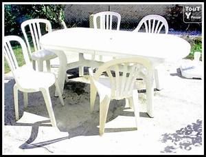 Table De Jardin Blanche : table de jardin blanche 5 chaises parasol assorti vic fezensac 32190 ~ Teatrodelosmanantiales.com Idées de Décoration