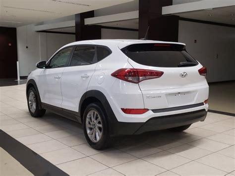 To provide you enjoyable journey. Used 2017 Hyundai Tucson SE White | Miami, FL