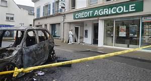 Credit Agricole Pret Auto : guidel le cr dit agricole cible d 39 un casse la voiture b lier ~ Gottalentnigeria.com Avis de Voitures