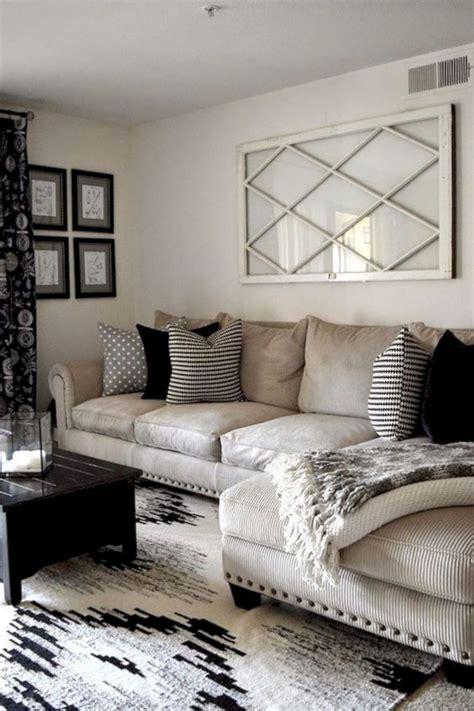16 Magnificent Living Room Walls Decorating Ideas