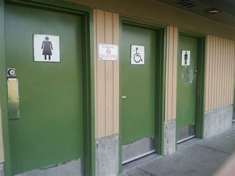 10 tips for surviving a washroom visit aetoseye