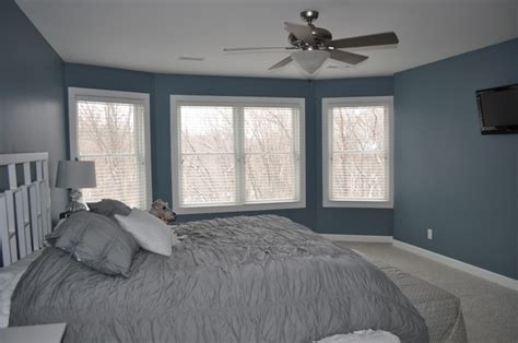 blue gray bedroom blue gray bedroom walls yellow walls bedroom bedroom designs ideasonthemove com