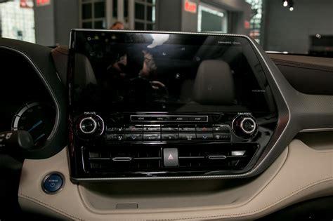 auto show face   ford explorer   toyota