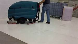 Tennant 5700 Cylindrical Floor Scrubber Demonstration
